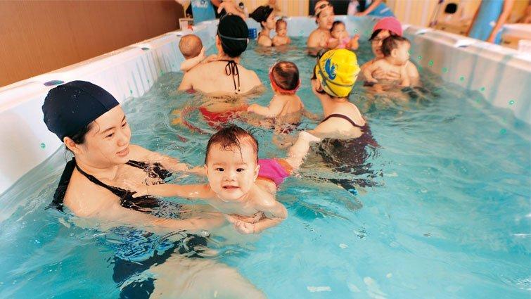 媽咪揪團,不瘋美食瘋「寶寶游泳」