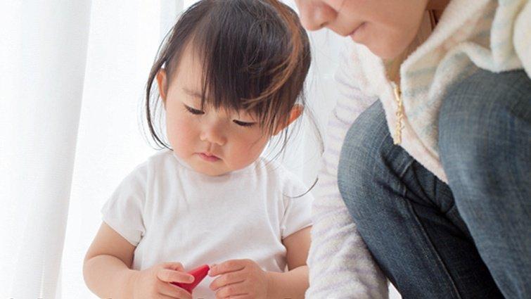 為什麼小孩都愛玩貼紙書?哪裡買?幾歲適合?好處有哪些?