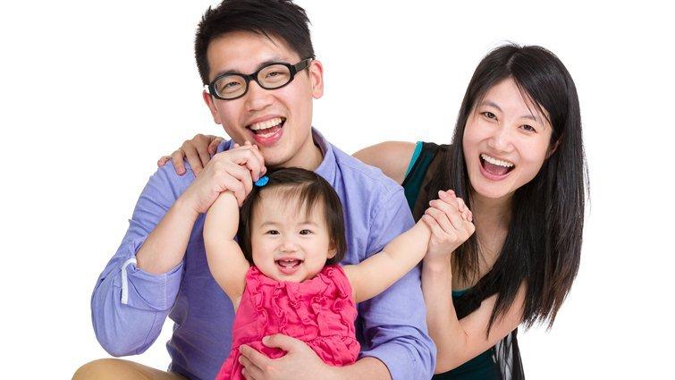 從兩人世界到「小三」來臨 新手爸媽如何維繫婚姻品質