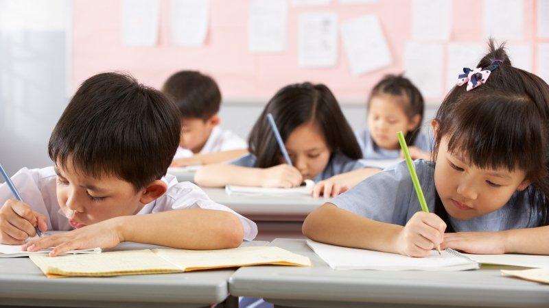 關於公校雙語課,家長最想問:用英文上課,小孩聽得懂嗎?