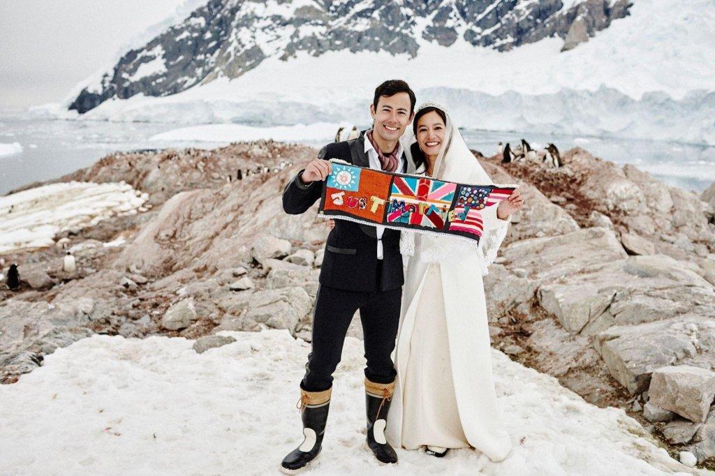 Janet 和 George 選擇在南極舉行婚禮,企鵝比賓客多,Janet 提供