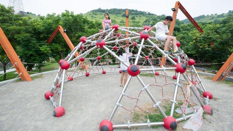 特色公園、共融式遊具,幫助孩子發展!