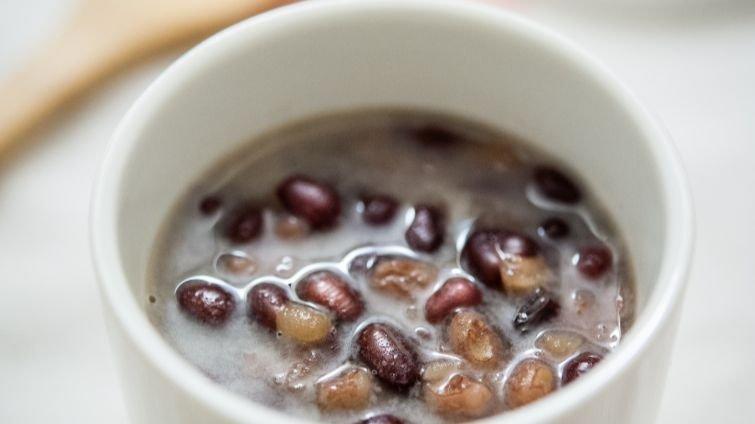 冬日消水腫幸福甜湯──椰奶紅豆薏仁湯