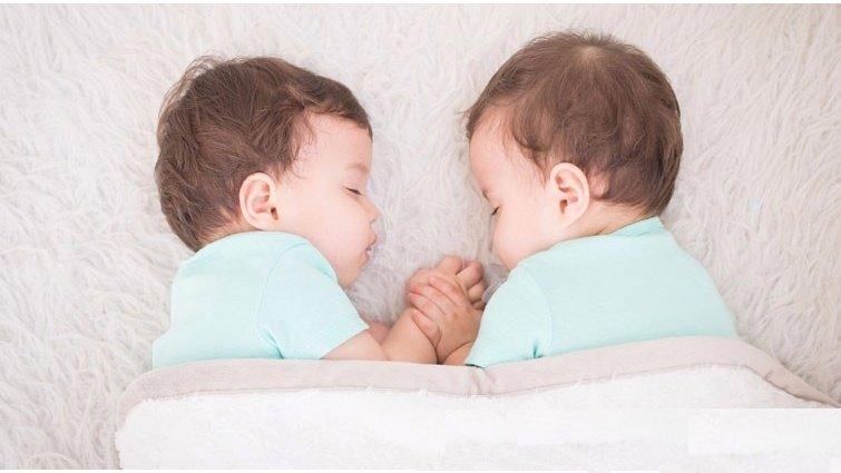 雙胞胎爸媽的心聲:辛苦是單胞胎的好幾倍,原因有這些...