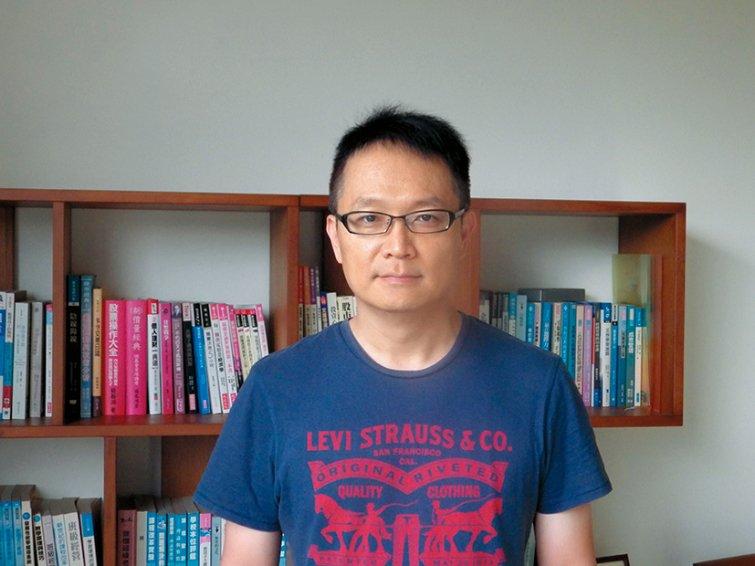 台中市合作國小老師 賴建光 國語課,畫出作家筆下的世界