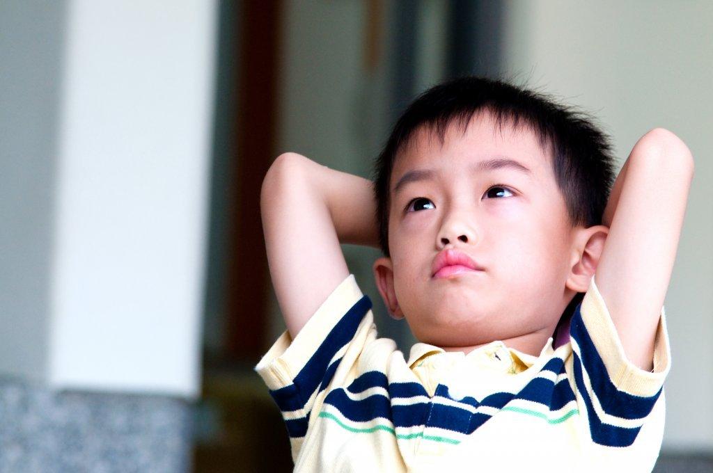 為何孩子不願意尊重你? 在那些大人不能說的祕密被發現後