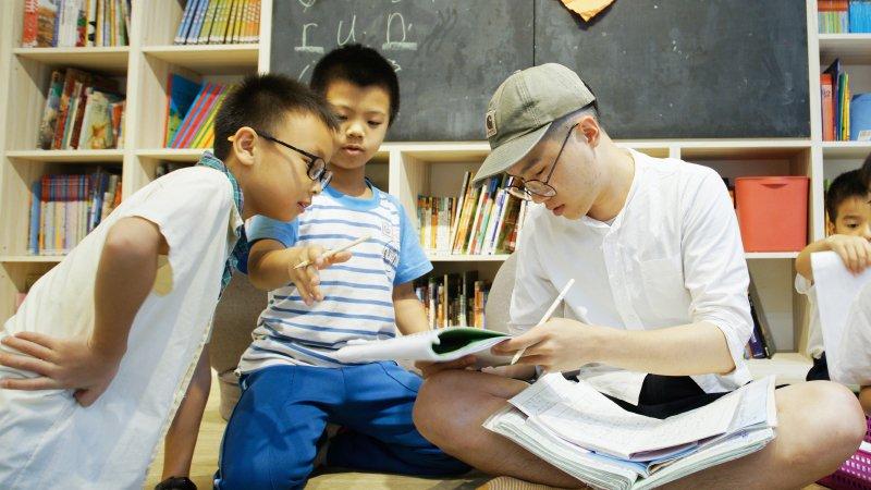 子穠園:看重對話的力量 讓孩子從課桌椅中解放