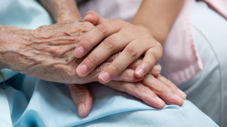 《病主法》上路,善終決定在自己手中 全台77醫院提供預立醫療決定諮商