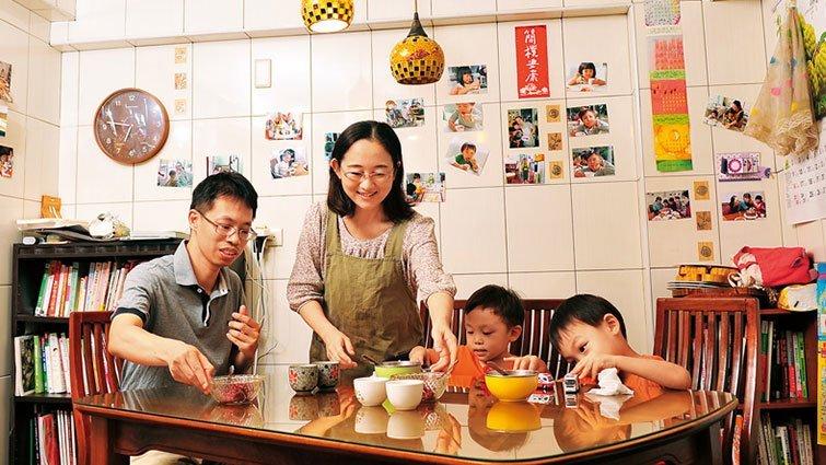 用寫博士論文精神,把關家人食安