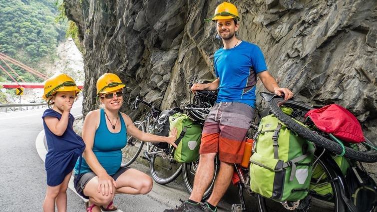 瑞士夫妻Xavier和Céline(下):帶著女兒單車環遊世界,把世界當教科書