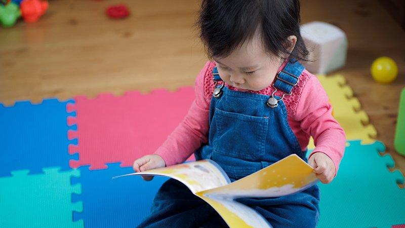 從繪本轉換到讀本的陣痛期,父母該怎麼引導?