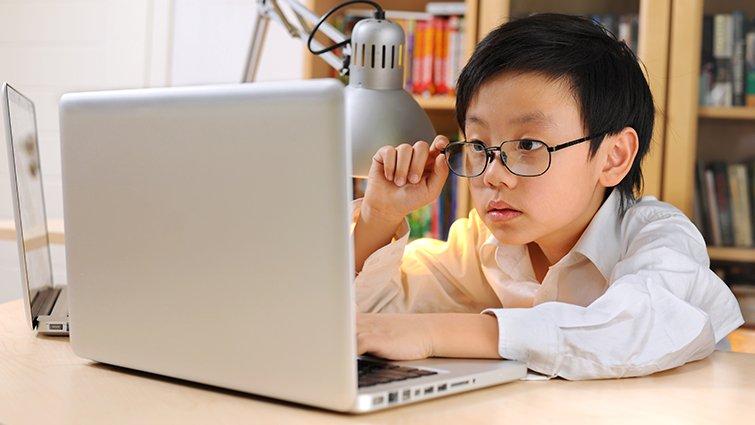 在開始接觸電腦前,孩子一定要擁有的資訊素養