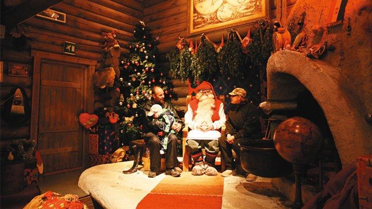 芬蘭,在聖誕夜拜訪墓園