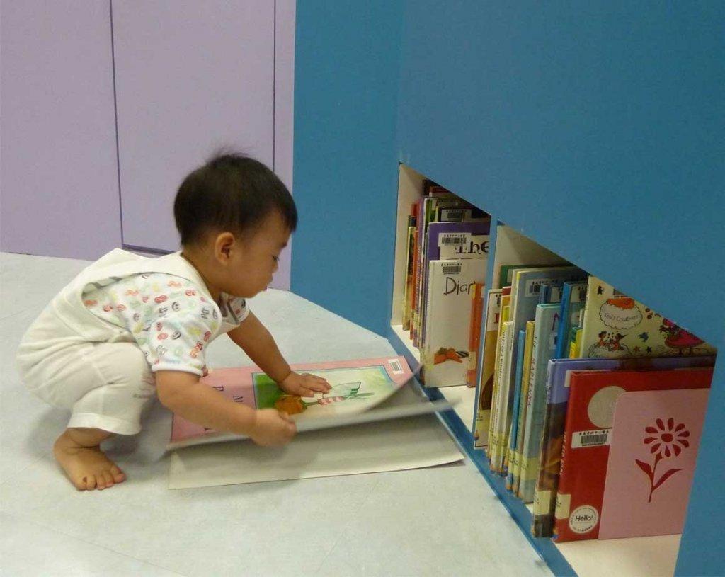 讓孩子也可選擇自己有興趣的書。