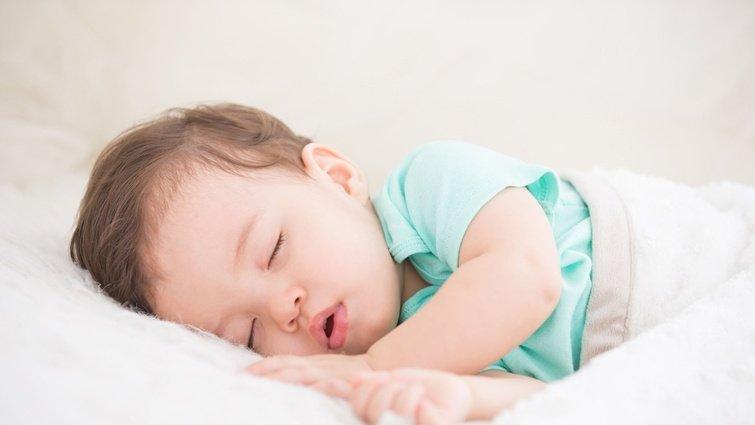 0-1歲寶寶睡覺該注意的事:時間、作息、習慣…5招搞定!