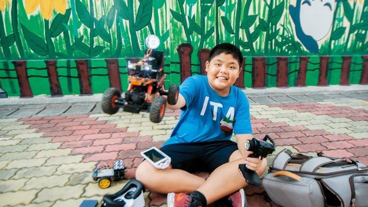 11歲小創客顏家祐:學習障礙兒 看影片自學成自造高手