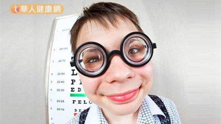 戴越久視力越好?破解角膜塑型術5個迷思