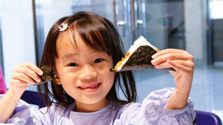 週末假日去哪玩~好玩又好吃的親子動手做飯糰體驗