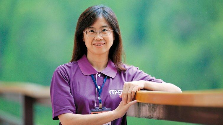 台中市福科國中理化老師 何莉芳 不受限場地 回收物也能做實驗