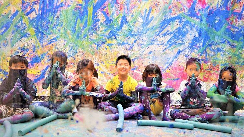 美術の森從顏色觸動孩子的美學開關
