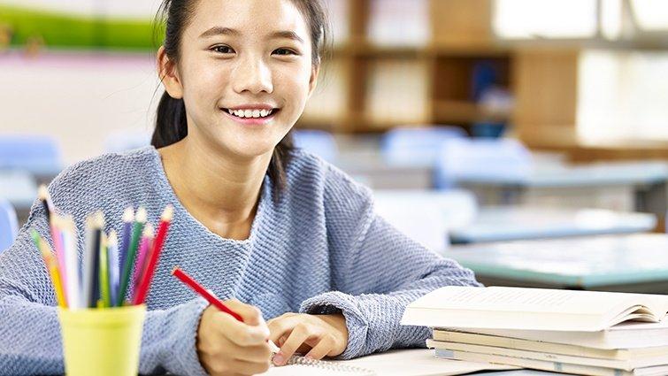 如果作文題目是「速食炒麵」,你會怎麼寫?四大文豪的寫作法