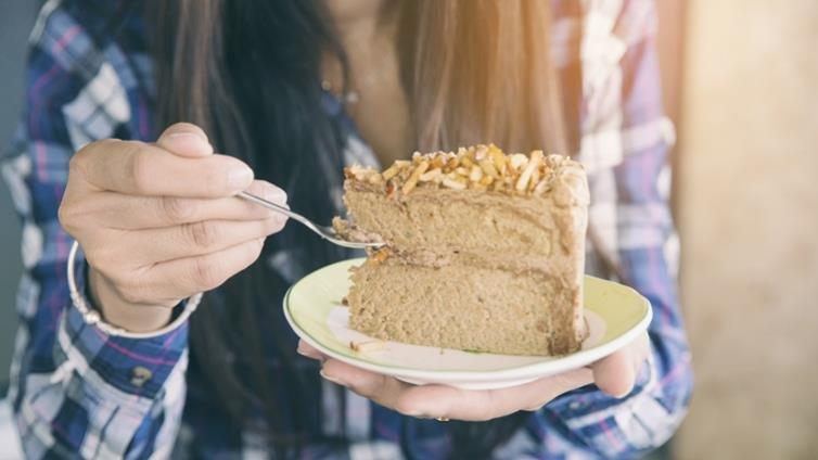 大量吃糖帶來愉悅,恐陷入情緒性飲食