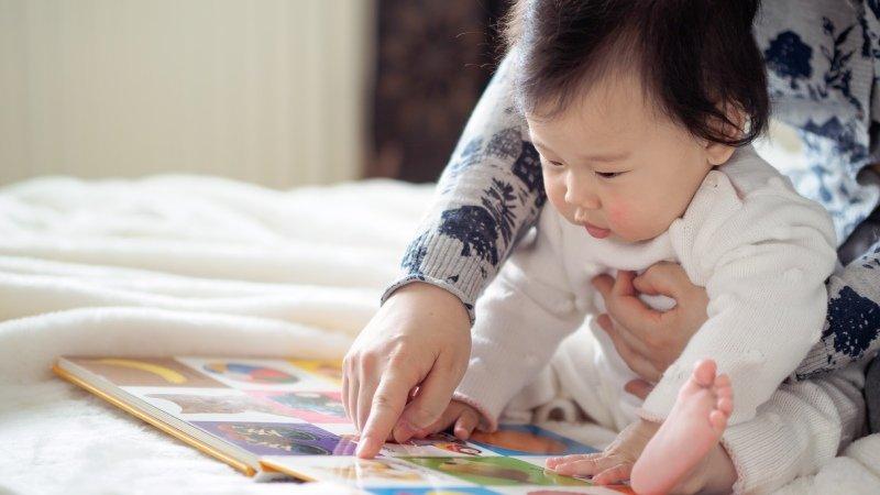 周育如老師:父母總是會搞錯的寶寶時期的親子共讀四大階段