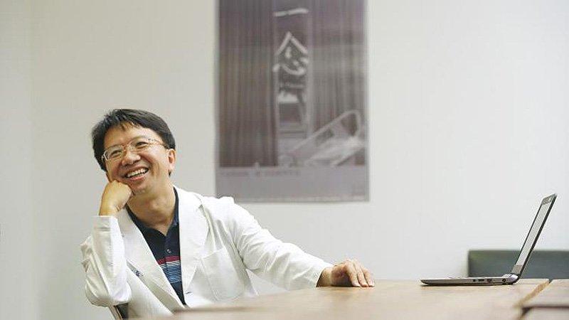 《一念》醫師吳育政:不願救活病人,卻把他推進人間地獄