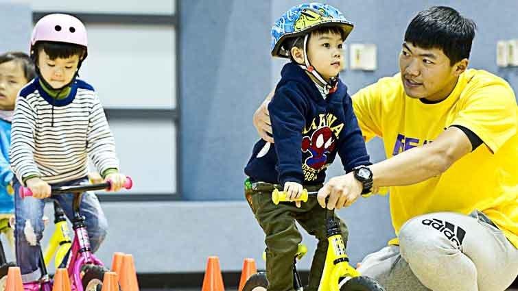 不只「嚕來嚕去」 滑步車開啟孩子勇氣