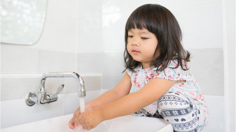勤洗手使皮膚乾裂?異位性皮膚炎小孩的洗手5關鍵