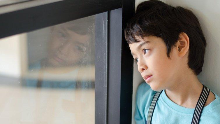 羅寶鴻:我們厭煩的不是哭鬧的孩子,而是童年不被欣賞的自己