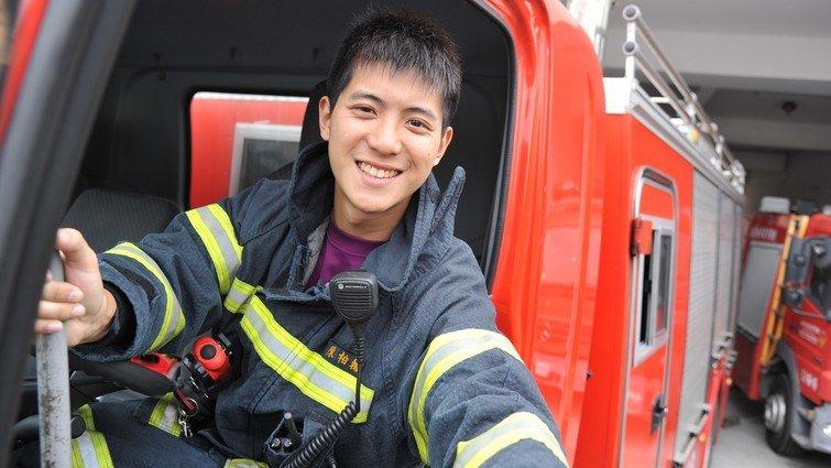【不能回家過年的人】消防員陳柏翰:只要全家在一起 就是團圓飯