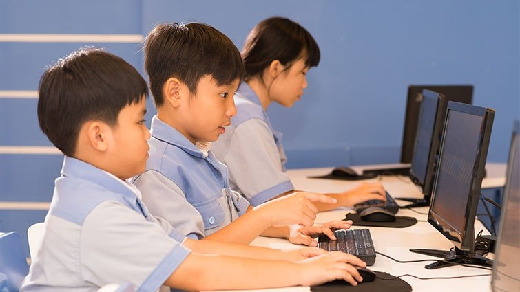 為什麼他們的孩子不學電腦?