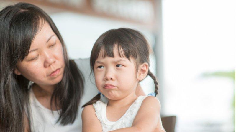 得不到就鬧脾氣、怪父母?教孩子情緒管理,從「認清現實」開始