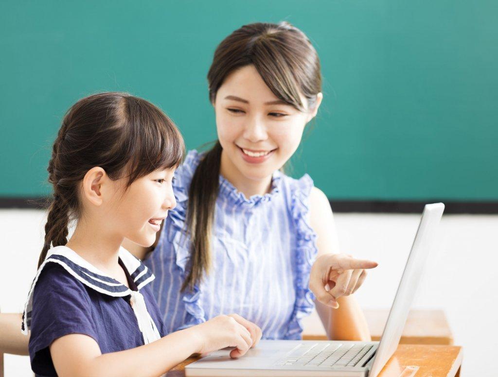 線上學習Nonstop!孩子的視力矯正不能等