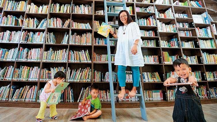 王怡鳳─用琅琅讀書聲安撫寶寶