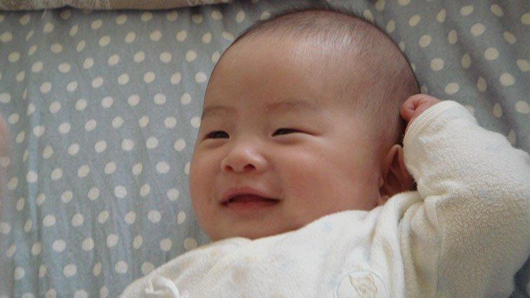因為寶寶笑了,整個世界就明亮了│《因為寶寶笑了》