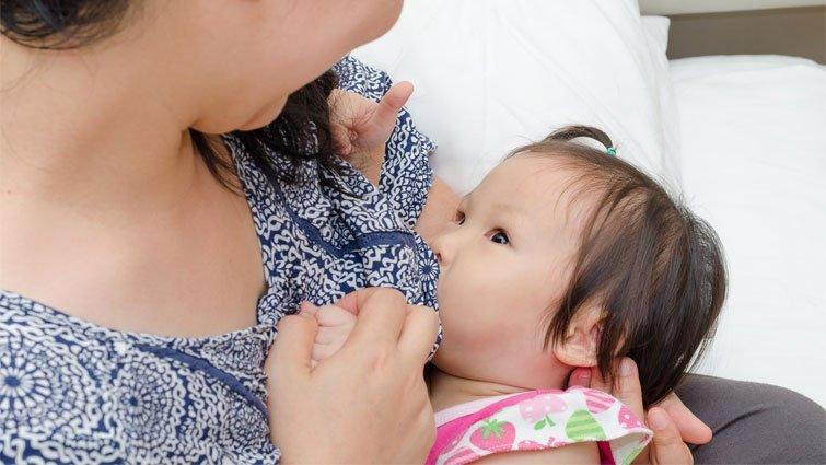 6個月大嬰兒只喝母乳 小心缺鐵性貧血