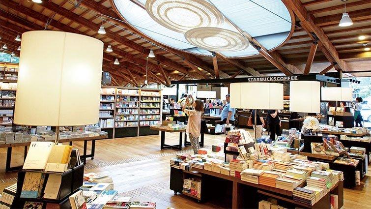 日本武雄市圖書館 跟佐賀阿嬤一樣紅