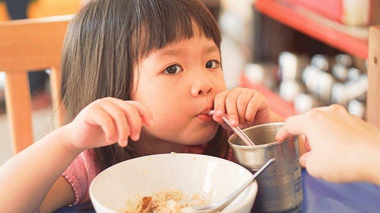 黃瑽寧:吃太鹹不會讓你更渴,卻會讓你更餓
