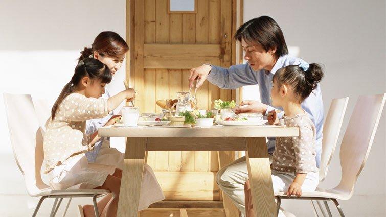 與孩子在餐桌上談情說愛