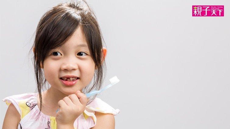 3歲以上就不需使用兒童牙膏,5個dos,幫孩子選對牙膏